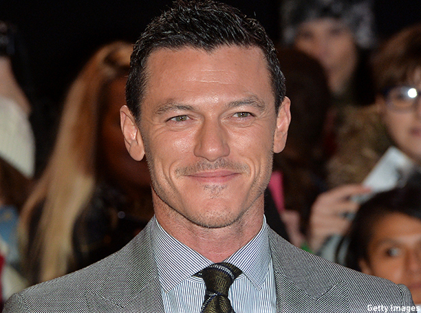 "LONDON, ENGLAND - DECEMBER 01:  Luke Evans attends the World Premiere of ""The Hobbit: The Battle OF The Five Armies"" at Odeon Leicester Square on December 1, 2014 in London, England.  (Photo by Anthony Harvey/Getty Images)"