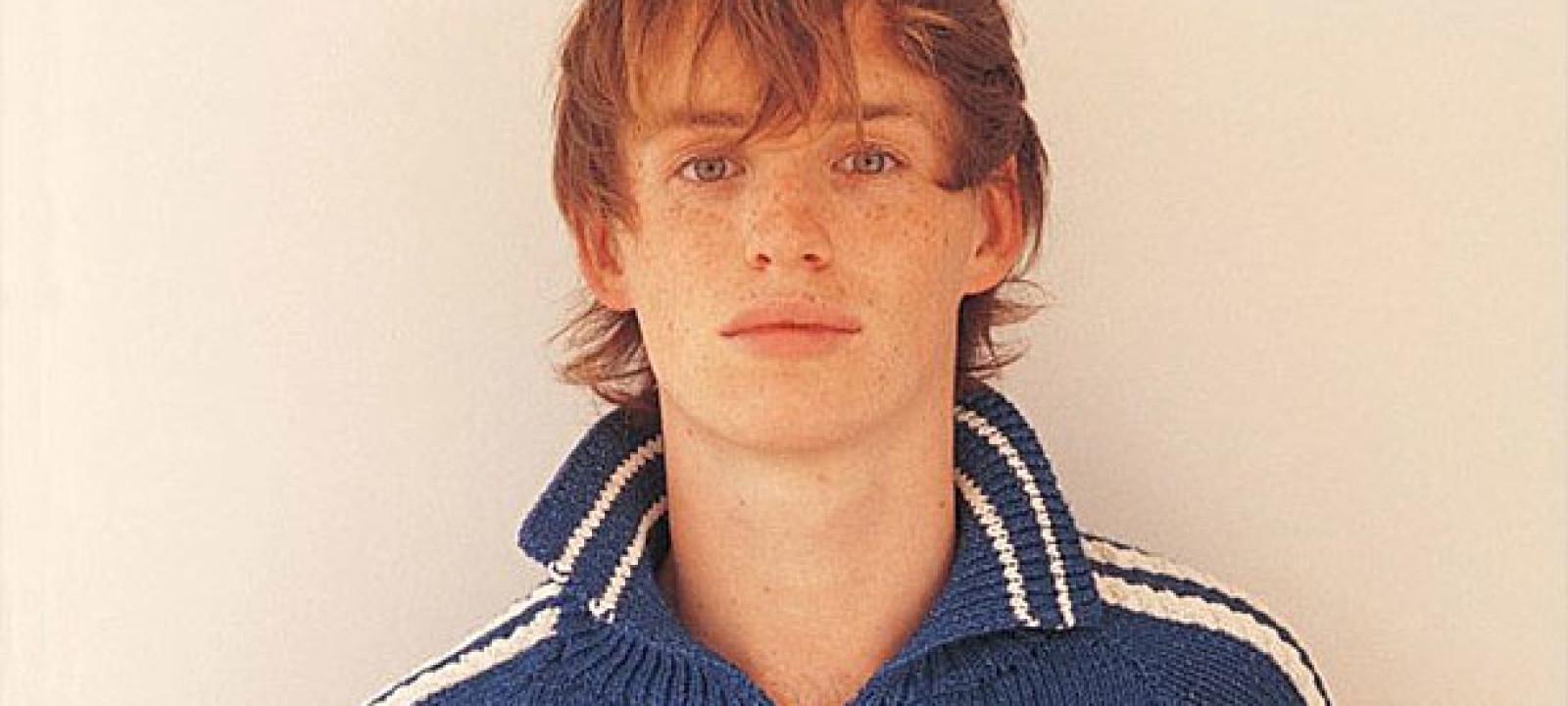 Eddie Redmayne in the 'Rowan Yarns' 2004 catalogue