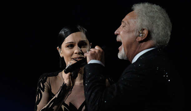 Tom Jones and Jessie J perform on stage at the 57th Annual Grammy Awards in Los Angeles February 8, 2015. AFP PHOTO/ROBYN BECK        (Photo credit should read ROBYN BECK/AFP/Getty Images)