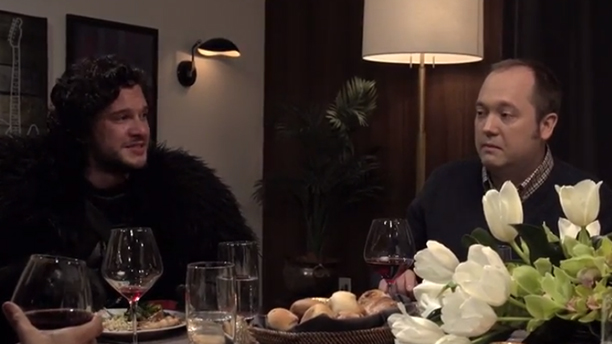 Jon Snow tries to make dinner conversation with 30 Rock's Lutz. (NBC)