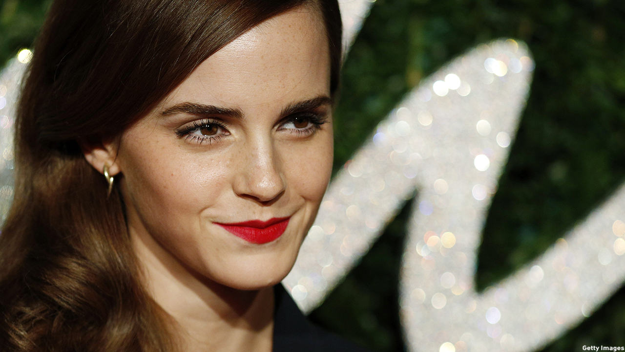 Emma Watson arrived to the 2014 British Fashion Awards in London, England. (JUSTIN TALLIS/AFP/Getty Images)