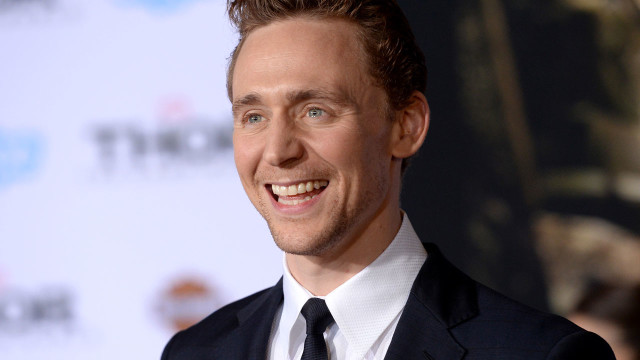 anglo_1600x720_tomhiddleston