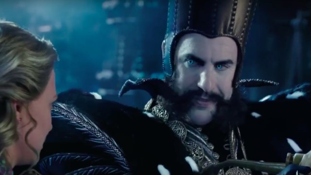 Sacha Baron Cohen stars as Time in Alice Through the Looking Glass.