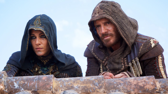 Ariane Labed and Michael Fassbender in 'Assassin's Creed'