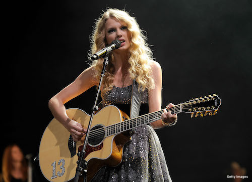 Taylor performing in 2009. (Photo: Getty Images)