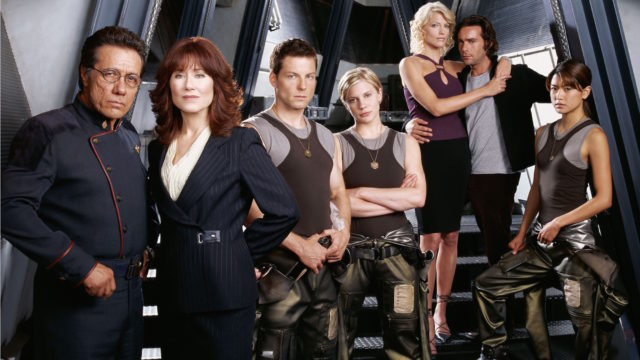 The 'Battlestar Galactica' cast in 2004. (Photo: Syfy)