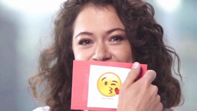 anglo_2000x1125_tatianamaslany_emojis