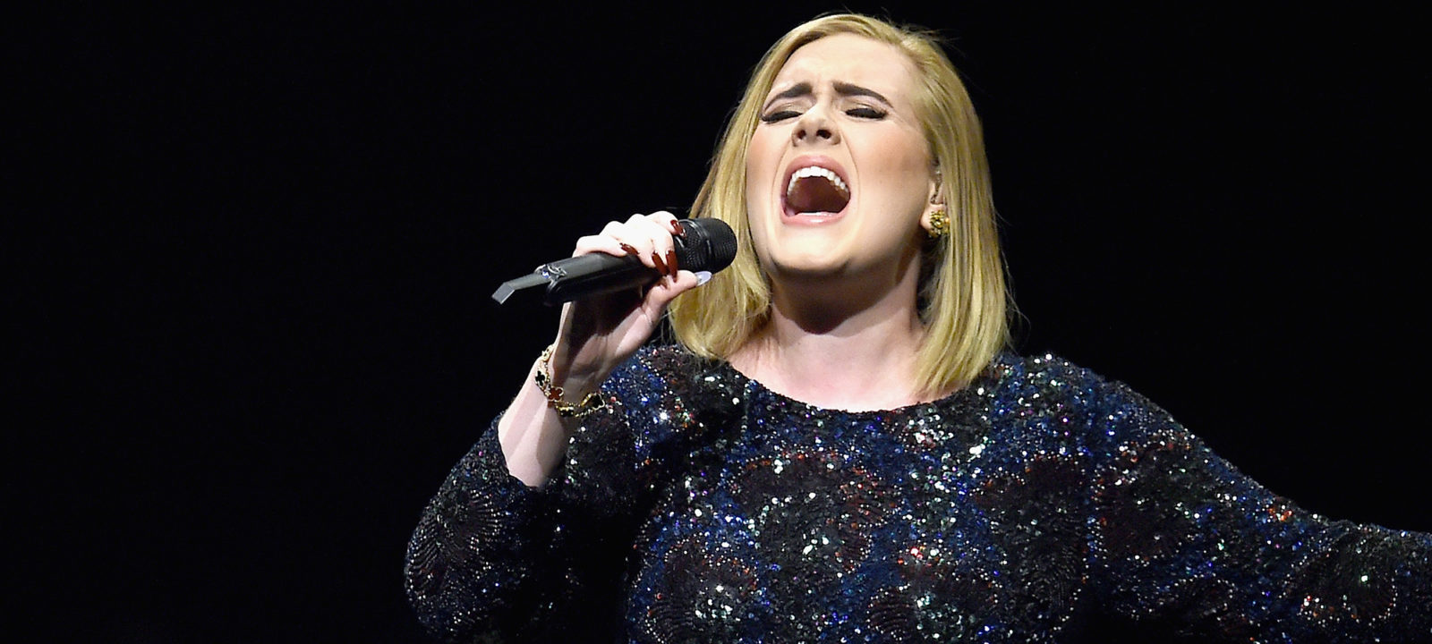Adele Live 2016 – North American Tour In Los Angeles, CA