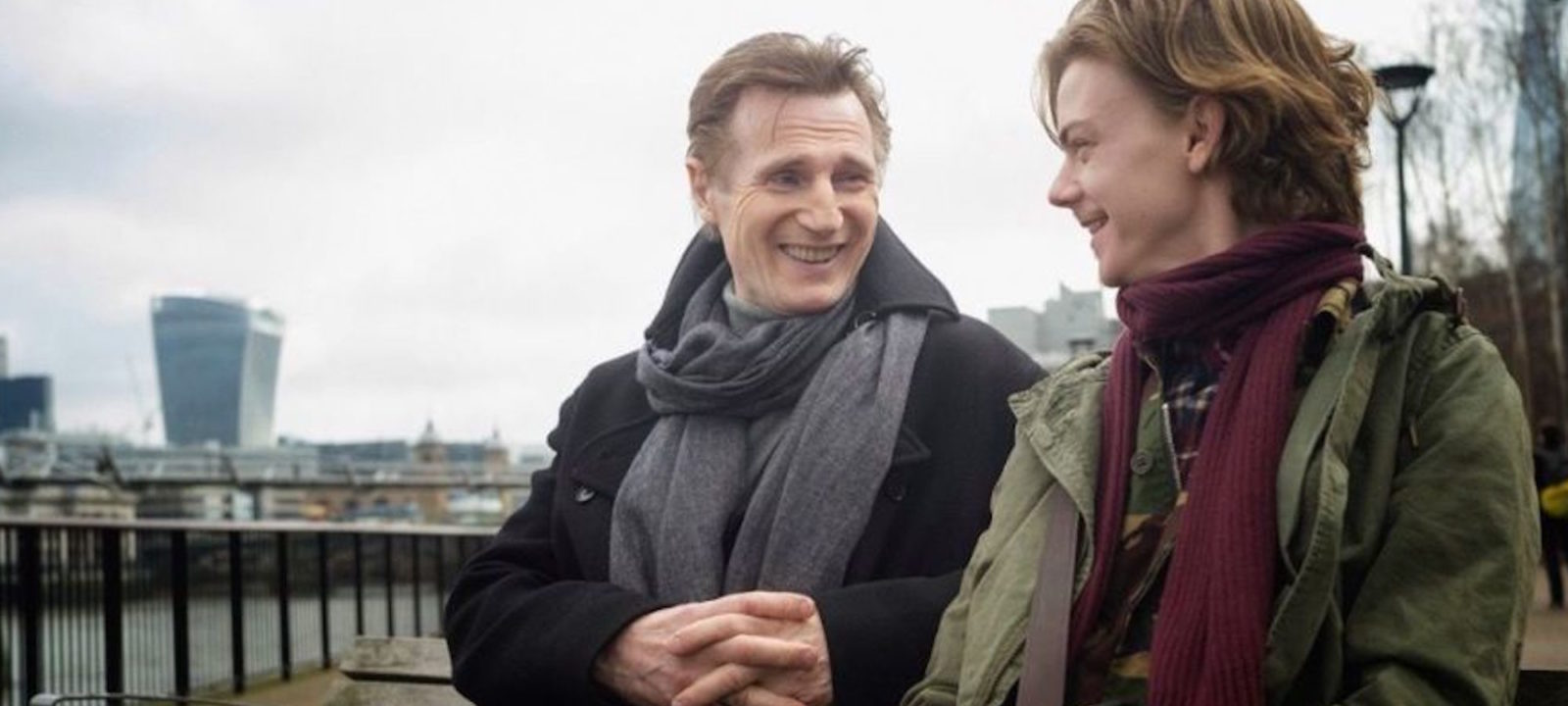 anglo_2000x1125_loveactually_cast_reunites