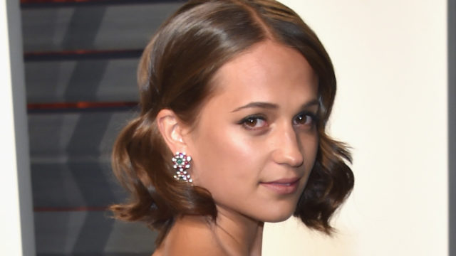 Actor Alicia Vikander attends the 2017 Vanity Fair Oscar Party hosted by Graydon Carter at Wallis Annenberg Center for the Performing Arts on February 26, 2017 in Beverly Hills, California.