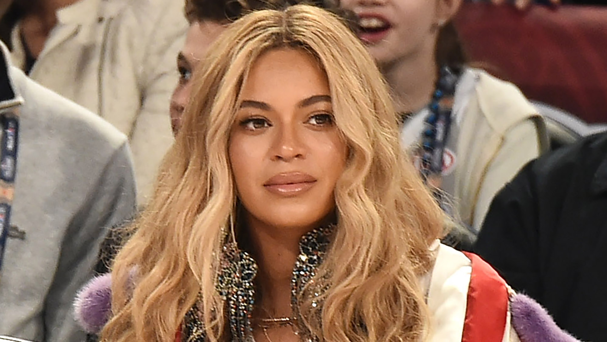 """J Balvin and Willy William feat. Beyoncé: """"Mi Gente"""""""