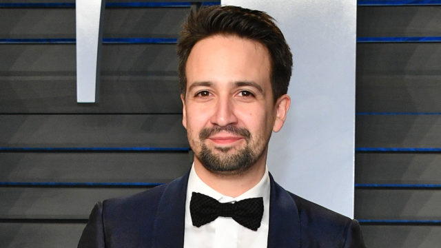 Lin-Manuel Miranda attends the 2018 Vanity Fair Oscar Party hosted by Radhika Jones at Wallis Annenberg Center for the Performing Arts on March 4, 2018 in Beverly Hills, California.