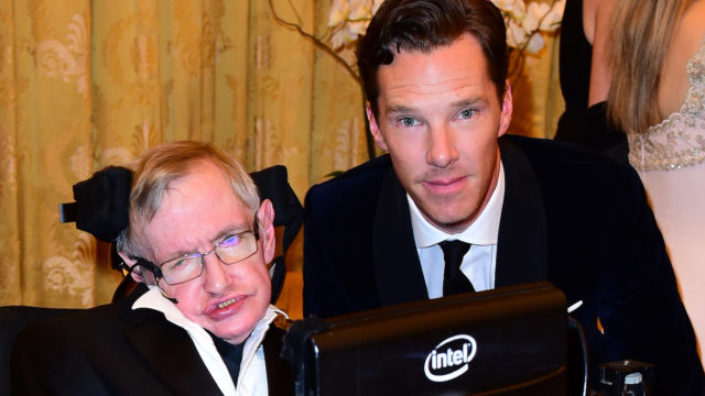 Professor Stephen Hawking and Benedict Cumberbatch in 2015. (Photo: Ian West - WPA Pool/Getty Images)