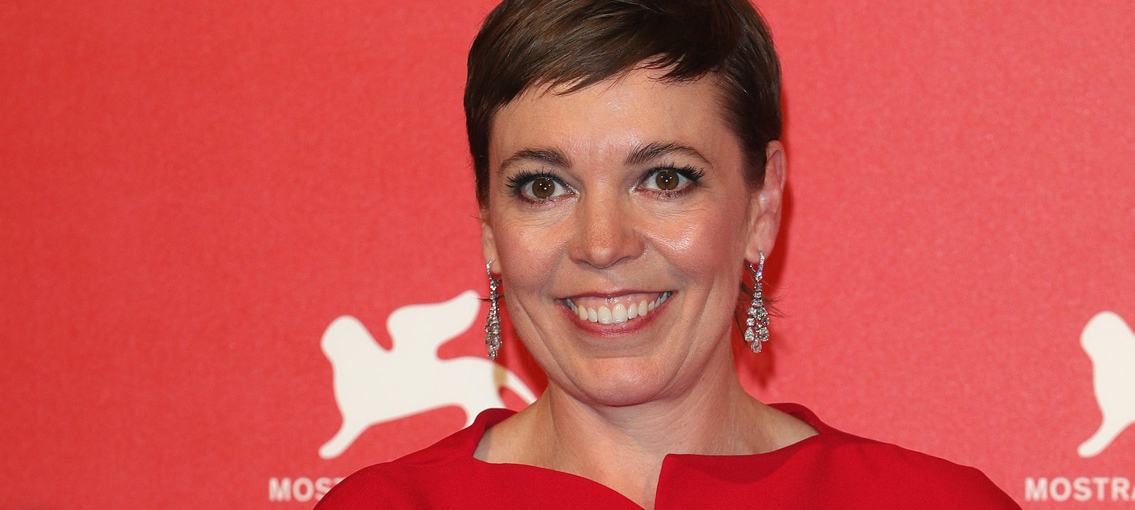 Olivia Colman poses with the Coppa Volpi  for 'The Favourite'  at the Winners Photocall during the 75th Venice Film Festival at Sala Grande on September 8, 2018 in Venice, Italy.