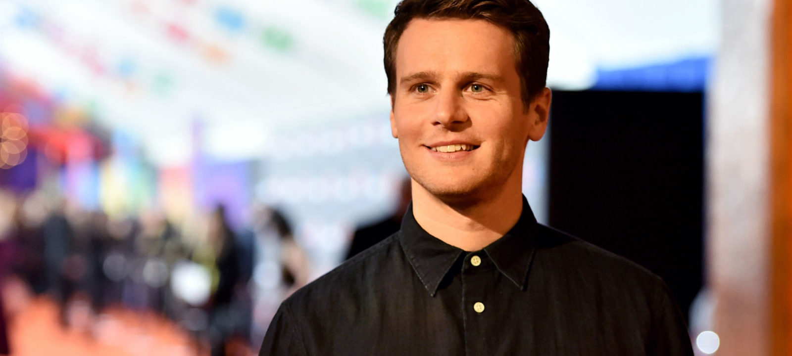 jonathan groff - photo #2