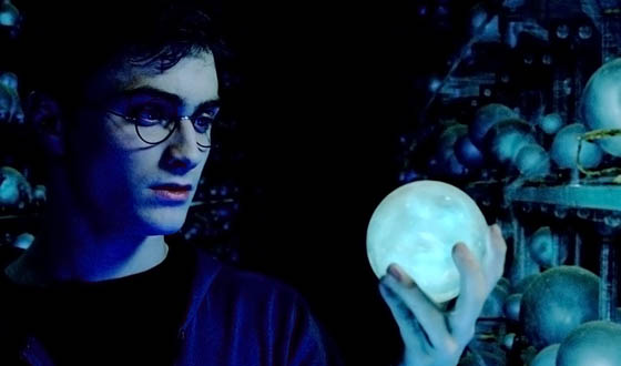 Attention Muggles – Harry Potter's Invisibility Cloak Is a Nanopillar Away