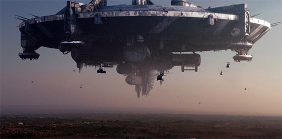 <em>District 9</em> Review – I'm an Alien Shrimp, Get Me Out of Here!