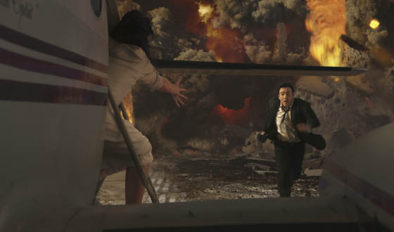 <em>2012</em> Review &#8211; The End of the World Never Looked So Good