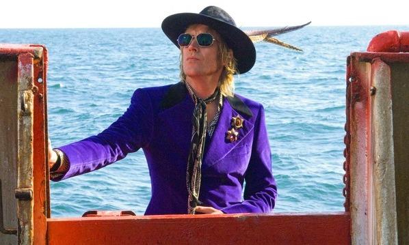 New on DVD – April 13, 2010 – Pirate Radio, The Slammin' Salmon, and 8½