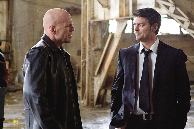 Q&A – Red's Bruce Willis and Karl Urban on Age, The Expendables, and Kicking Your Co-Star's Butt