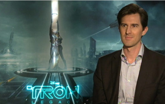 Video – First-Time Feature Director Joseph Kosinski Upgrades the Tron World