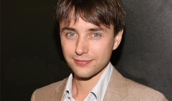 How Well Do You Know Vincent Kartheiser? Take the Ultimate Fan Quiz and Find Out