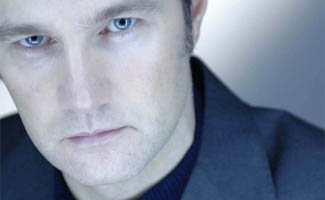 David Morrissey Cast as The Governor in <em>The Walking Dead</em> Season 3