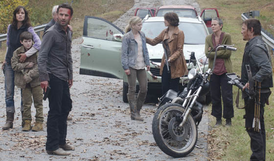 "<em>Talking Dead</em> Poll for the Season 2 Finale, ""Beside the Dying Fire"""