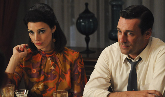 <em>Washington Post</em> Marvels at Jon Hamm Rapping; <em>People</em> Says Jessica Paré is &#8216;Swingin&#8217;
