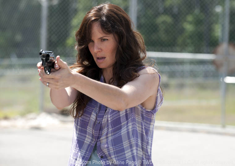Lori Grimes (Sarah Wayne Callies) in Episode 4 of The Walking Dead