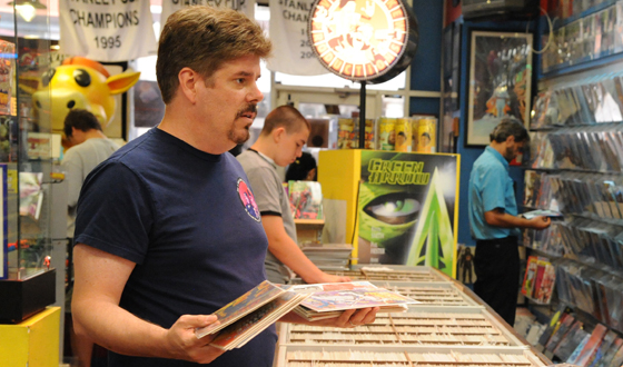Poll &#8211; What&#8217;s the Coolest Item From <em>Comic Book Men</em> Season 2 So Far?