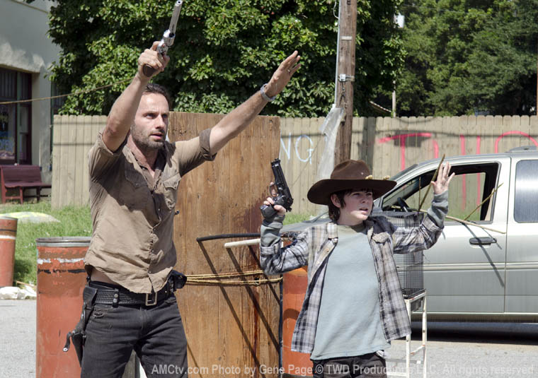 Rick Grimes (Andrew Lincoln) and Carl Grimes (Chandler Riggs) in Episode 12 of The Walking Dead