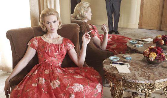 <em>TV Guide</em> Previews <em>Mad Men</em>&#8216;s Season 6 Return; January Jones on <em>Glamour</em> Cover
