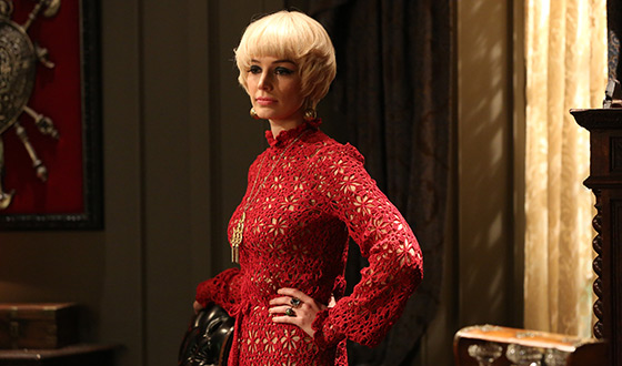 The <em>Mad Men</em> Fashion File &#8211; In Between