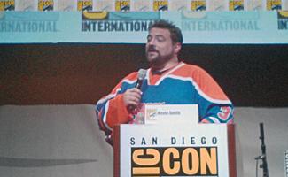 Comic-Con 2013 – Kevin Smith Talks <em>Comic Book Men</em> and <em>Clerks 3</em>; Hosts a Marriage Proposal