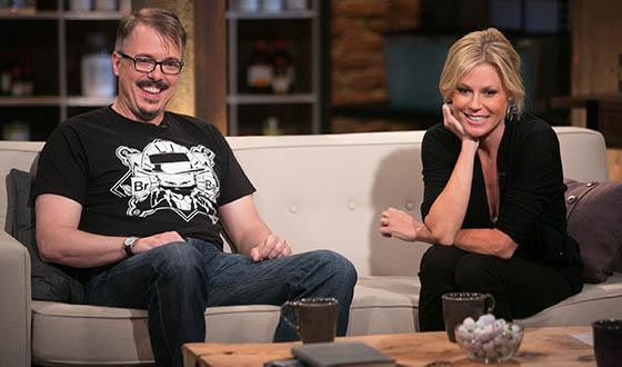 <em>Talking Bad</em> Photos &#8211; Chris Hardwick, Vince Gilligan and Julie Bowen on Premiere Episode