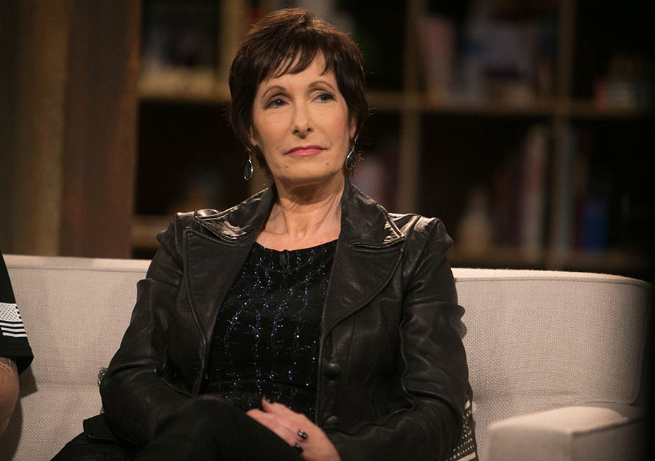 Gale Anne Hurd (The Walking Dead Executive Producer) in Episode 3 of The Walking Dead