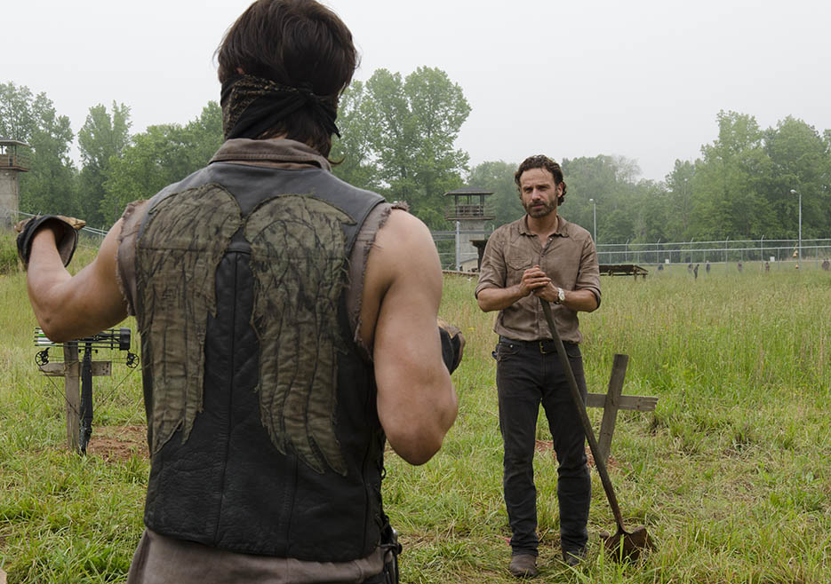 Daryl Dixon (Norman Reedus) and Rick Grimes (Andrew Lincoln) in Episode 2 of The Walking Dead