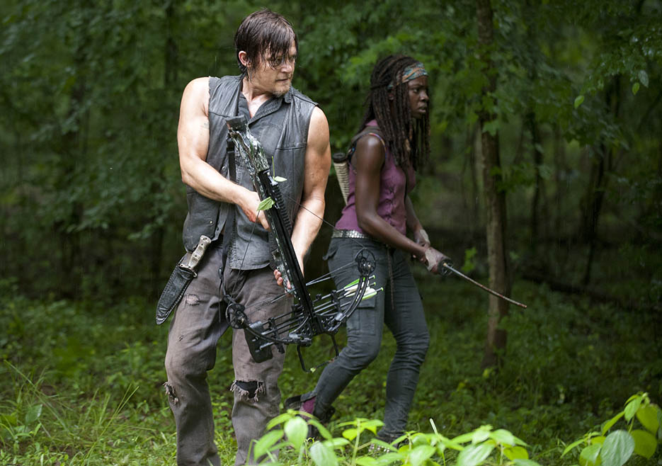 Daryl Dixon (Norman Reedus) and Michonne (Danai Gurira) in Episode 3 of The Walking Dead