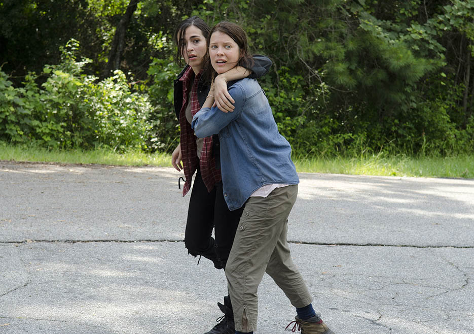 Tara Chambler (Alanna Masterson) and Lilly Chambler (Audrey Marie Anderson) in Episode 6 of The Walking Dead