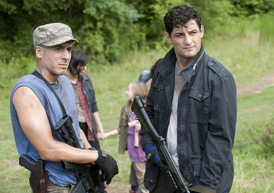 Mitch (Kirk Acevedo) and Pete (Enver Gjkoaj) in Episode 7 of The Walking Dead