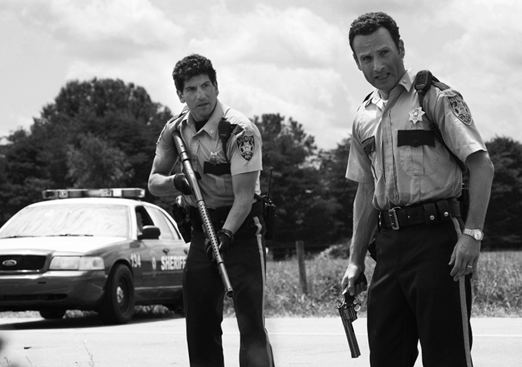 Shane Walsh (Jon Bernthal) and Rick Grimes (Andrew Lincoln) in Episode 1 of The Walking Dead