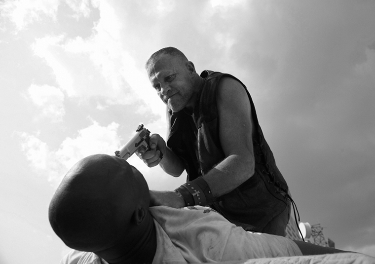 T-Dog (IronE Singleton) and Merle Dixon (Michael Rooker) in Episode 2 of The Walking Dead