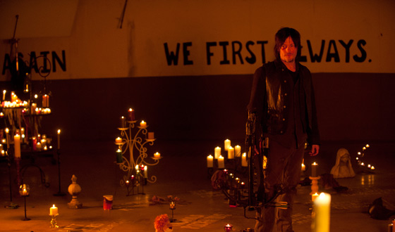 Daryl in Distress in <em>EW</em>; <em>E! Online</em> Talks Season 5 With Steven Yeun