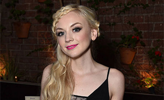 Photos &#8211; <em>The Walking Dead</em>&#8216;s Emily Kinney and Chad L. Coleman at Holiday Press Reception