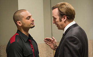 better-call-saul-episode-104-jimmy-odenkirk-nacho-mando-325