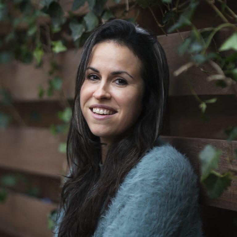 Jessica Earnshaw