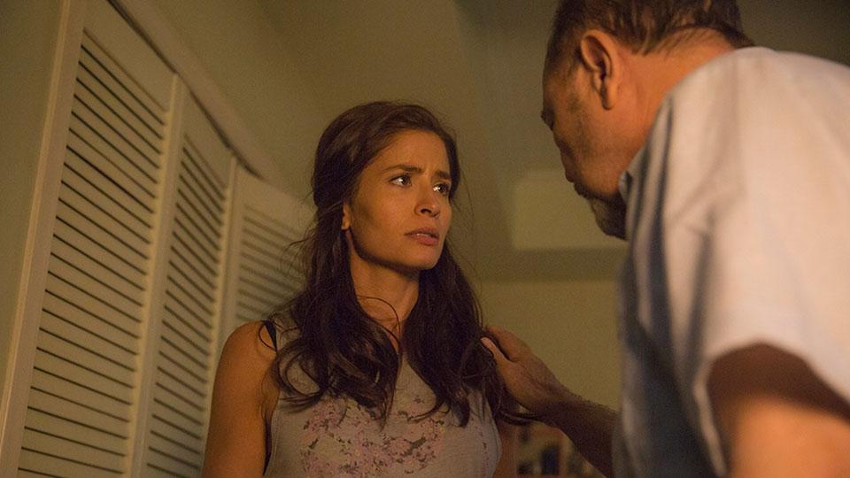 Ofelia Salazar  (Mercedes Mason) y Daniel Salazar (Ruben Blades) en Episodio 4  / Photo by Justina Mintz/AMC