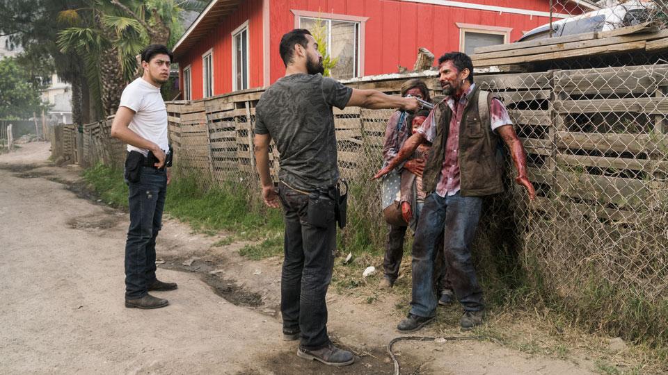Antonio n Carbajal), Marco Rodriguez (Alejandro Edda), Ana (Denitza Garcia) y Francisco (Alfredo Herrera) en Episodio 12 Photo by Richard Foreman/AMC