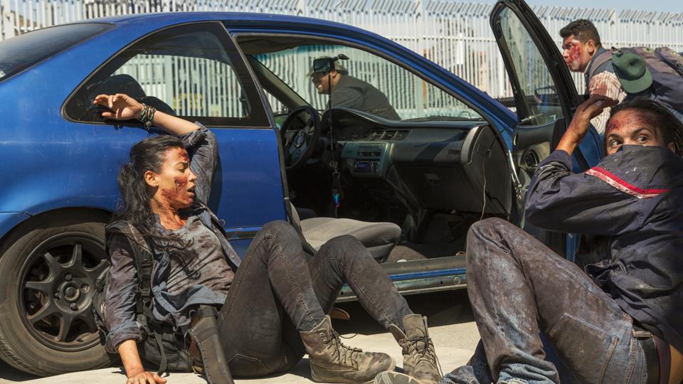 Nick Clark (Frank Dillane) y Luciana (Danay Garcia) in Episodio 15 Photo by Richard Foreman/AMC